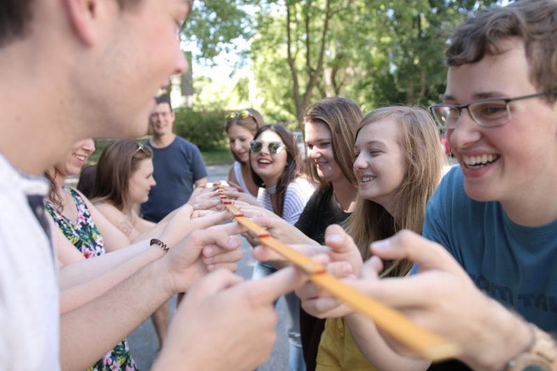Mehr über das Freiwillige Soziale Jahr erfahren!