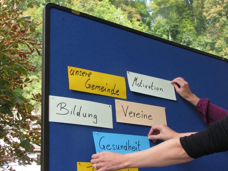 Bildungs- und Kulturarbeit in den Gemeinden organisieren