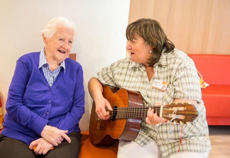 Singrunde im Haus für Senioren